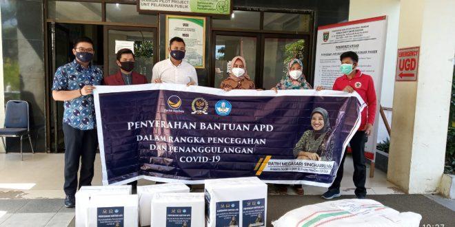 Ratih Juga Salurkan Bantuan APD di RSUD Polman