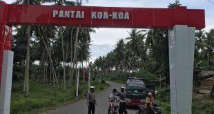 Personil Polres Pasangkayu Edukasi Warga di Pantai Koa-Koa.